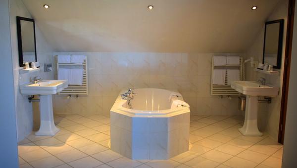 Design Badkamer Nijmegen : Suite van der valk hotel cuijk nijmegen